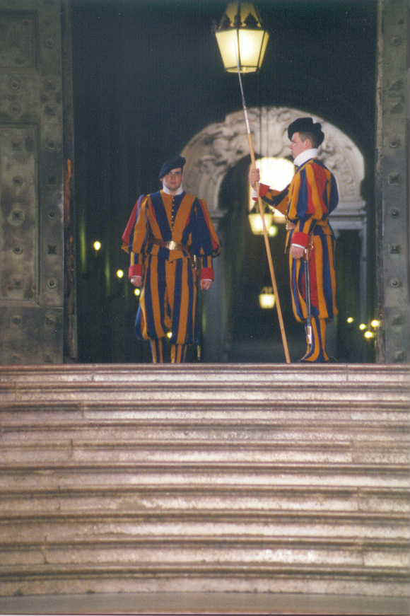 8- Swiss Guards.JPG (51399 bytes)